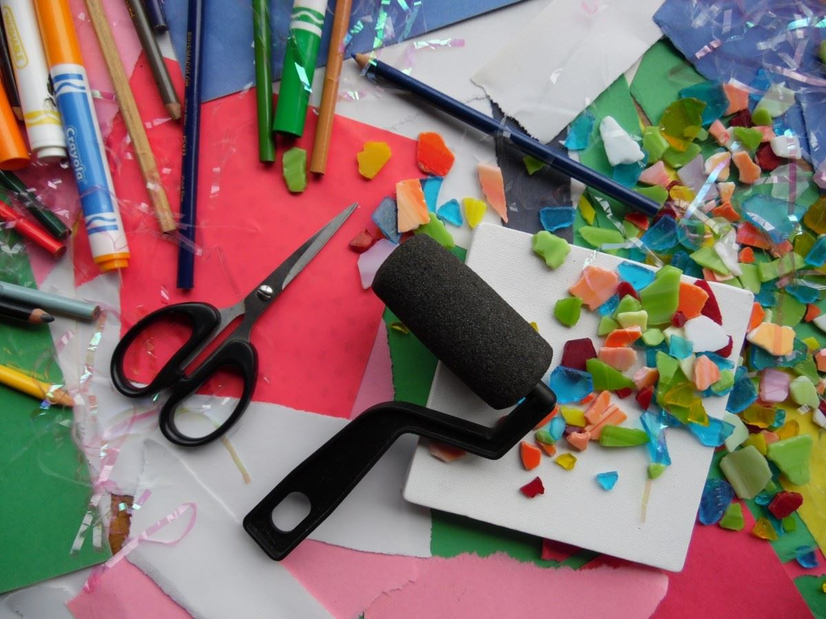 picture of arts and crafts